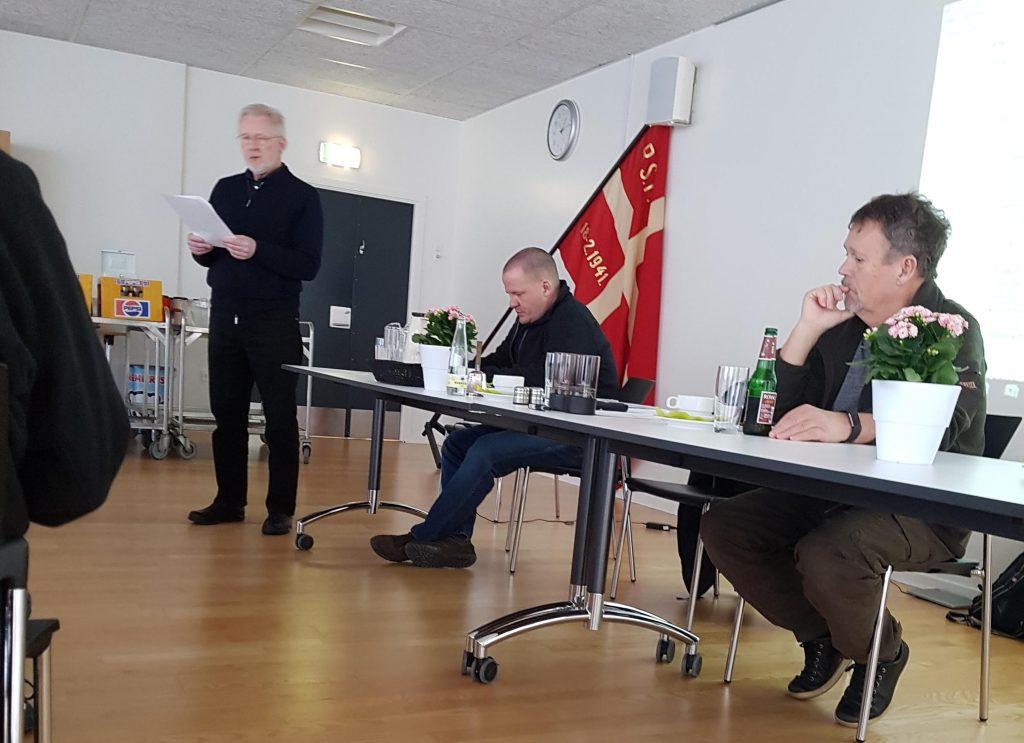 Formanden Erik Dahlgren byder velkommen